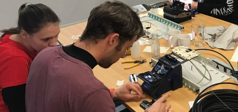 Practice-integrated fiber optic workshops in Buxtehude